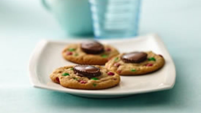 Holiday Peanut Butter Cup Cookies