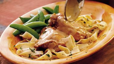 Slow-Cooker Chicken with Creamy Paprika Sauce