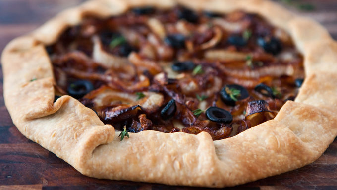 Caramelized Onion and Olive No Pan Pie