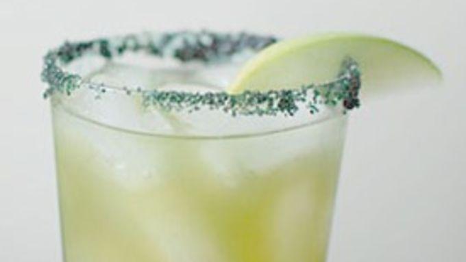 Apple-Green Tea Cocktail