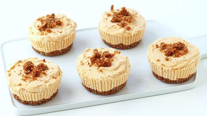 No-Bake Mini Pumpkin Cheesecakes