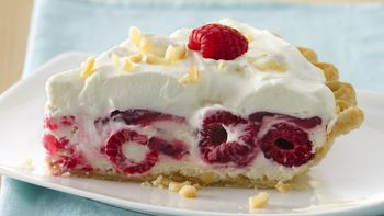 Macadamia Raspberry Pie