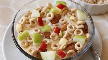 Crunchy Fruit, Almond and Cheerios™ Parfait