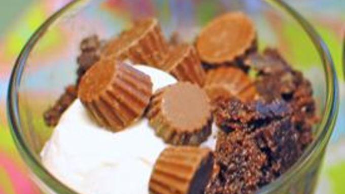 Chocolate Peanut Butter Crockpot Cake