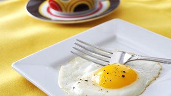 Easy Sunny-Side-Up Eggs