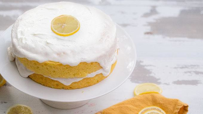 Lemon Cake with Gin Sour Icing