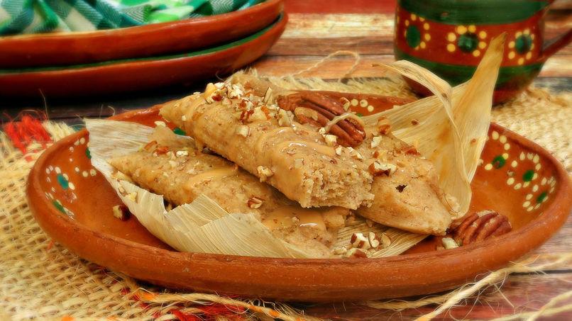 Tamales Dulces con Cajeta
