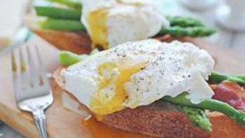 Poached Egg and Asparagus Bruschetta