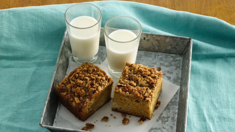 Country Pear-Pecan Snack Cake