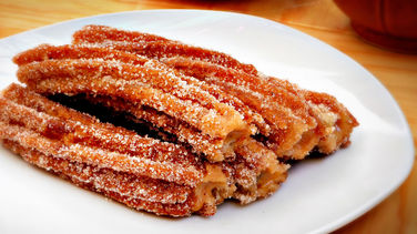 Churros Filled with Dulce de Leche