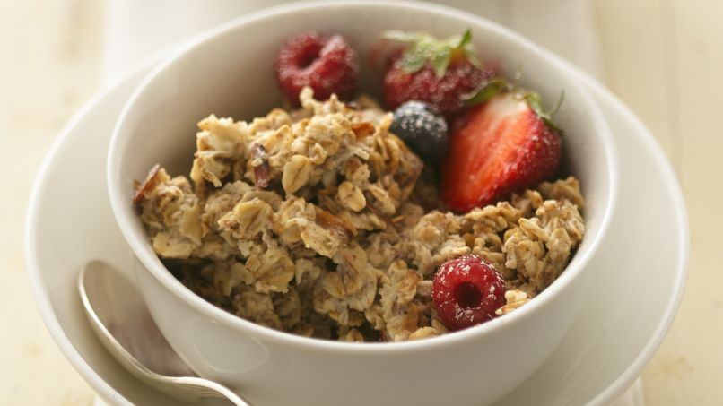 Triple-Berry Oatmeal Muesli