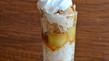 Rice Pudding Parfait with Apples and Cinnamon Toast Crunch™