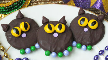 Mardi Gras Cat Cookies
