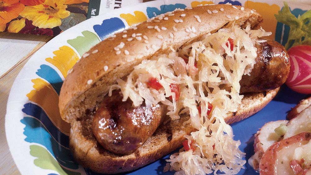 Old-Fashioned Brats in Beer