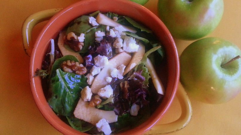 Green Apple and Roquefort Salad