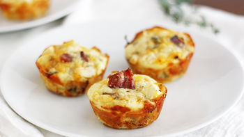 Apple-Bacon Cheddar Mini Breakfast Pies