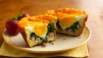 Cheesy Florentine Biscuit Cups