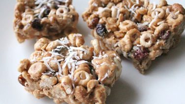 Cheerios™ Bars with Peanut Butter, Honey and Coconut