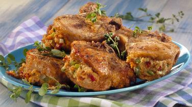 Chuletas de Cerdo Rellenas con Pan de Elote (Maíz) y Tocino