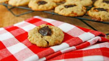 Caramel Apple-Oatmeal Cookies