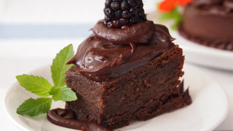Almost Flourless Dark Chocolate Cake