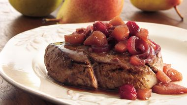 Beef Tenderloin with Pear-Cranberry Chutney