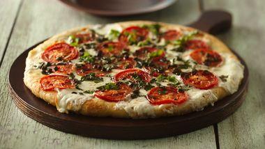 Skinny Fresh Mozzarella and Tomato Pizza