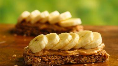 PB and Banana Granola Bars