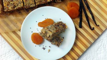 Quinoa, Vanilla and Lavender Tea Bars