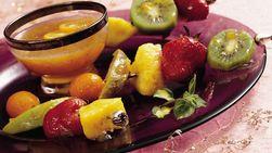 Brochetas de Frutas con Glaseado de Durazno