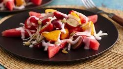Fruta con Aderezo de Yogurt y Jícama