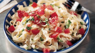 Fettuccine with Ricotta, Tomatoes and Basil