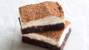 Easy Tiramisu Brownie Bars