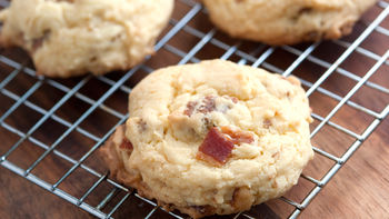Bacon-Granola Breakfast Cookies