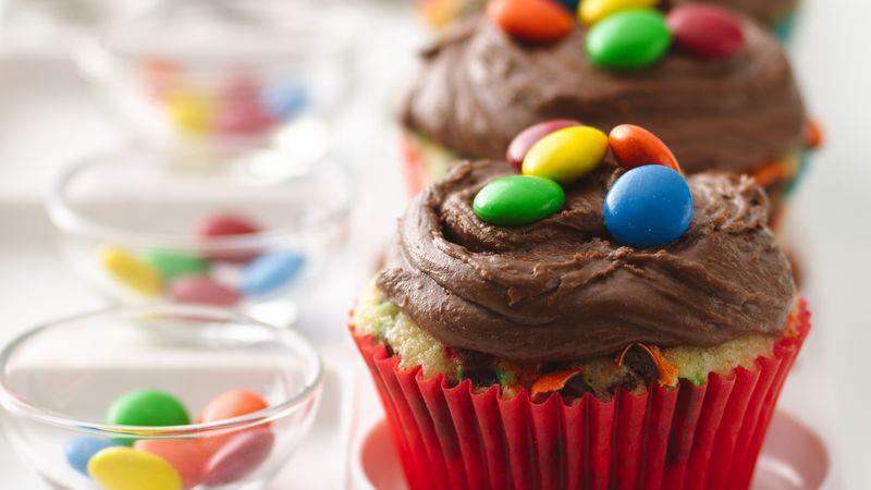 M&M's™ Confetti Cupcakes