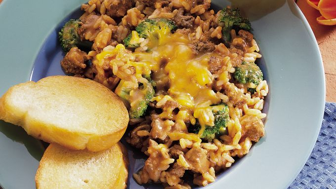 Cheesy Burger, Rice and Broccoli Skillet