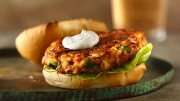 Salmon Burgers with Sour Cream-Dill Sauce