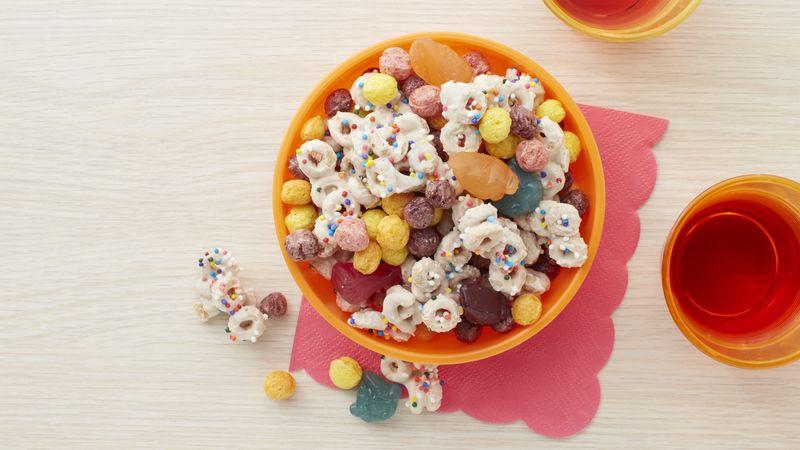 Trolls Rainbow Cereal Snack Mix