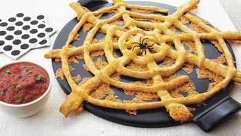 Pull-Apart Web Cheese Sticks