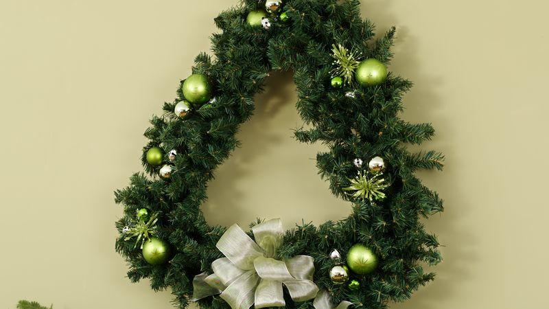 Merry Tree Wreath