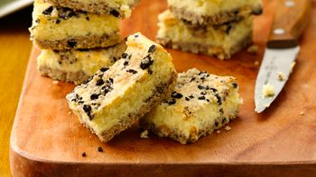 Cookies and Creme Cheesecake Bars