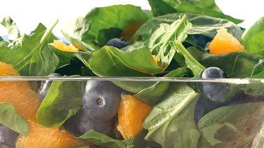Ensalada de Espinacas con Moras Azules y Naranja