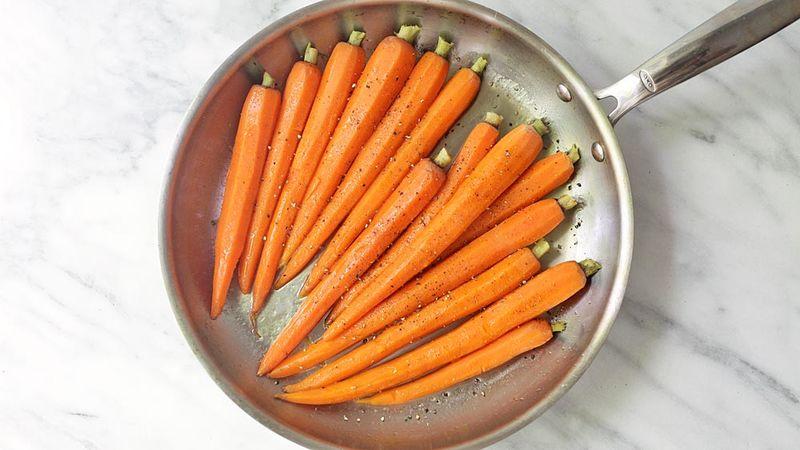 Coconut Oil and Honey-Glazed Carrots