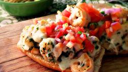 Shrimp Molletes in Garlic Sauce