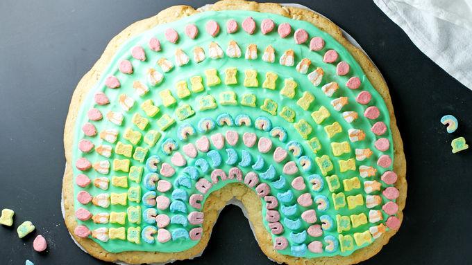 Lucky Charms™ Rainbow Dessert Pizza