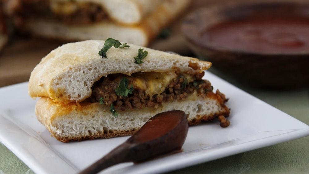 Taco-Flavored Stuffed Bread