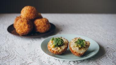 Cheesy Broccoli Arancini