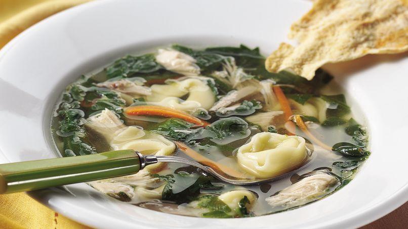 Sopa de Tortellini con Pollo y Espinacas