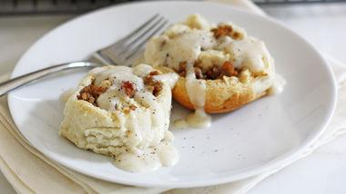 Biscuits and Gravy Rolls
