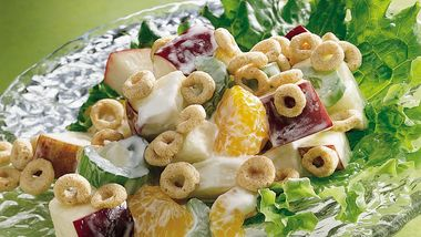 Cheerios™ Crunchy Apple Salads